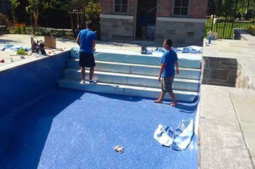 How Durable Are Fiberglass Pools & Vinyl Pools?